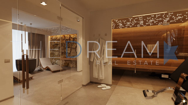 Located in the Vittoria Apuana district, newly built villa for sale in Forte dei Marmi, with a large garden with swimming pool and large porch. Property managed by The Dream RE, Real Estate Agency in Forte dei Marmi