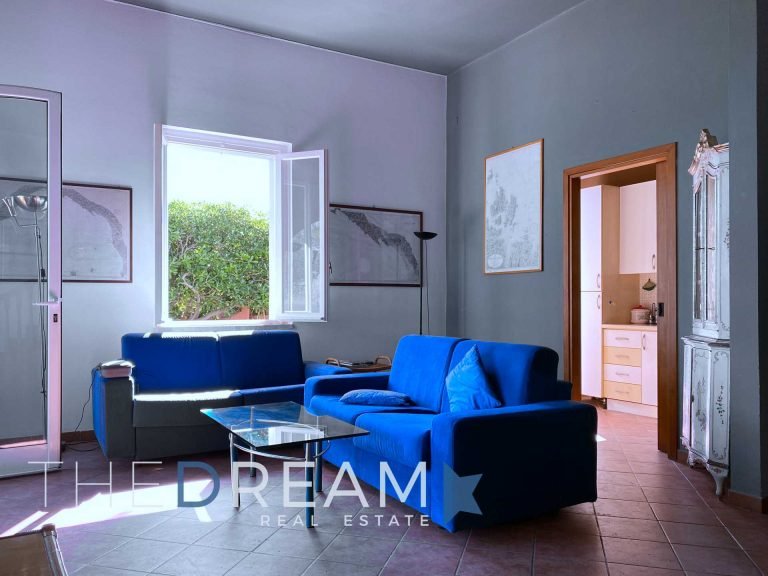 Extraordinary Villa for sale in Lerici with private access to th