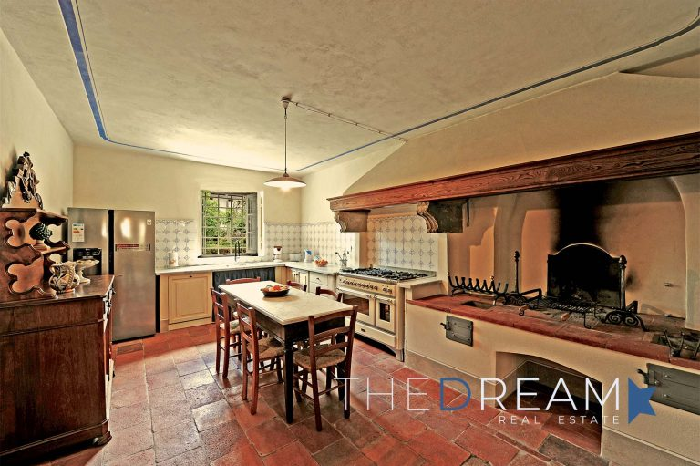 Villa for rent in Lucca_villa in affitto a Lucca_cucina1