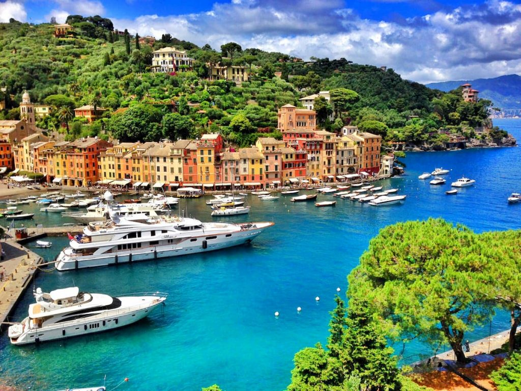 Yacht rental service6 - The Dream Real Estate